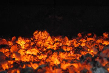 Отопление дома с помощью угольных печей