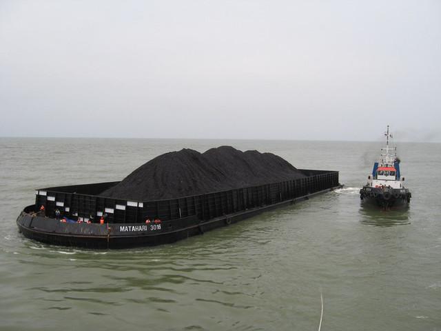самовозгорание угля при перевозке баржей