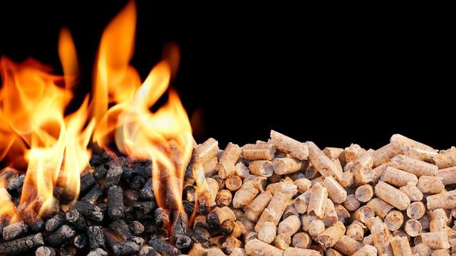 пеллеты и каменный уголь